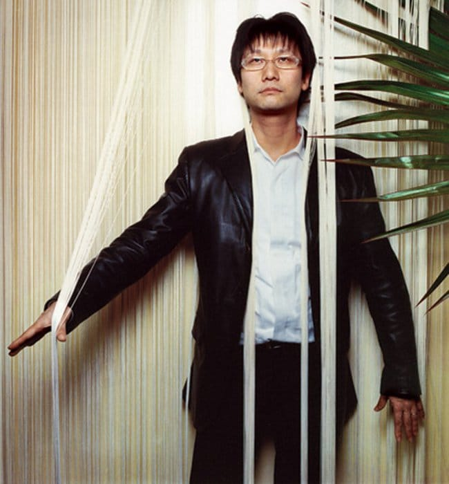Hideo-Kojima-Photo-Posture