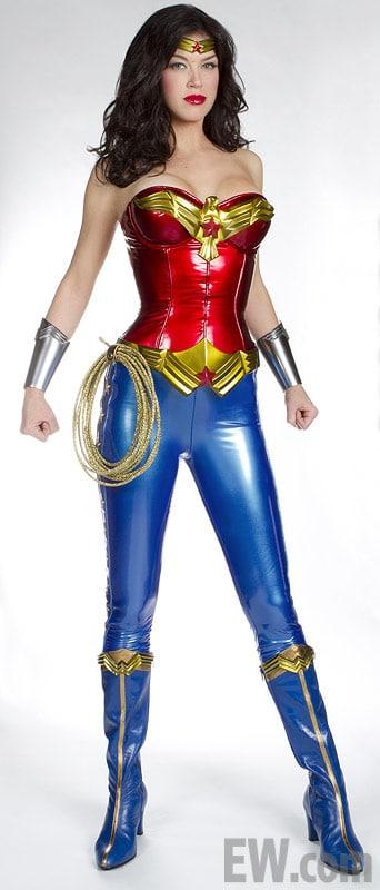 Wonder-Woman-Adrianne-Palicki-as-Wonder-Woman-Entertainment-Weekly
