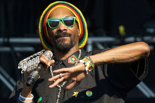 Snoop Dogg is Snoop Lion Snoop Dogg devient Snoop Lion