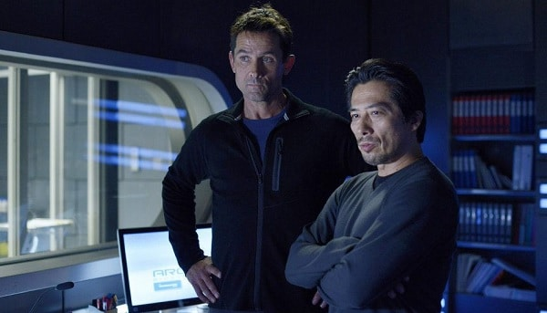 Helix-2014-Series-Picture-01