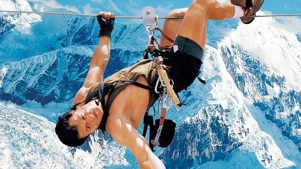 Cliffhanger-1993-Movie-Picture-01