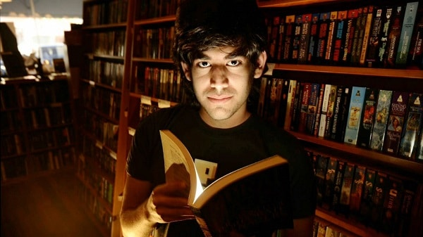 The-Internets-Own-Boy-The-Story-Of-Aaron-Swartz-2014-Movie-Picture-01