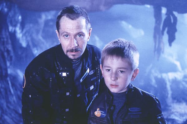 Lost in Space (1998) - Movie Picture 01