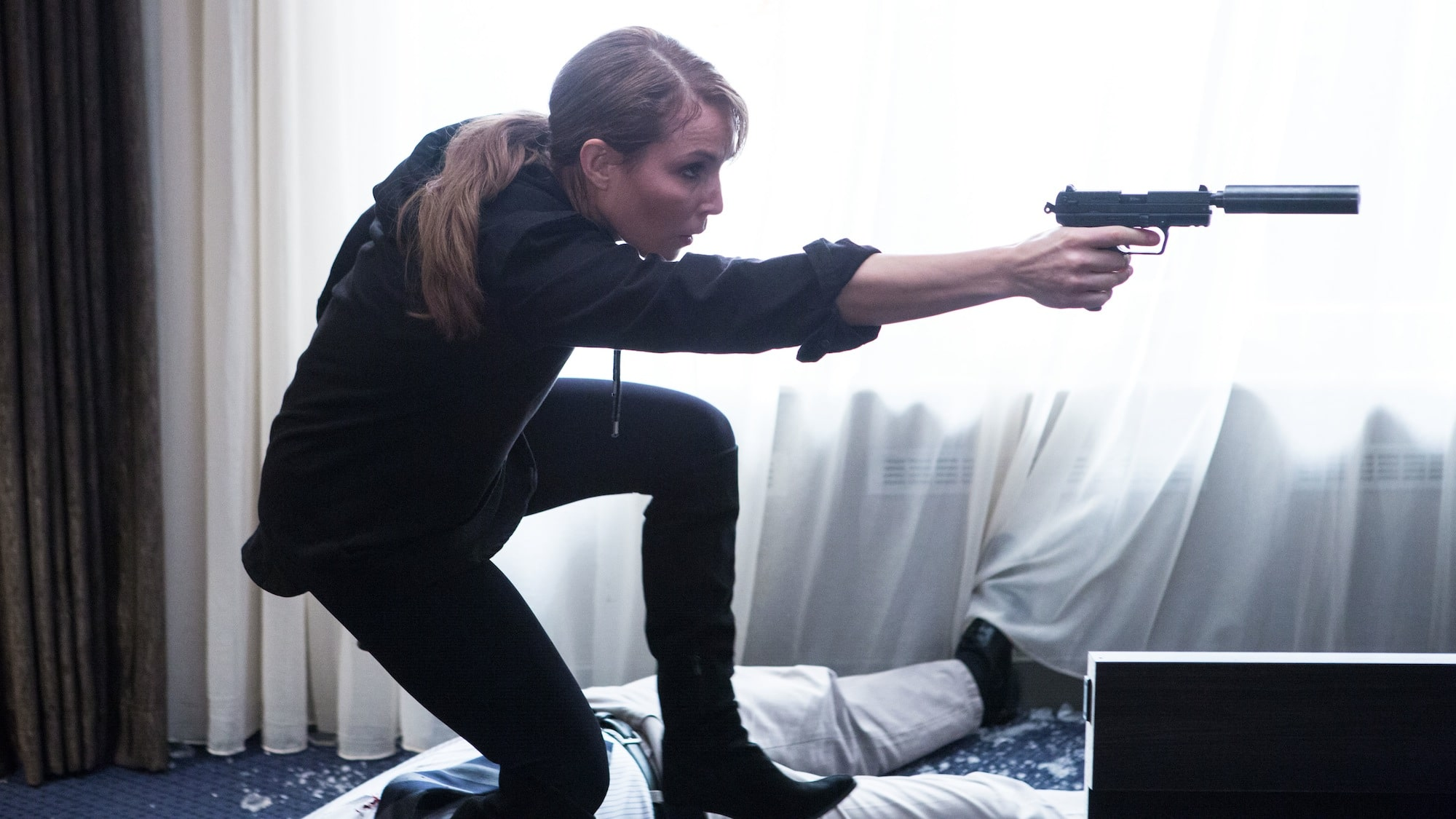 Unlocked-2015-Movie-Picture-01