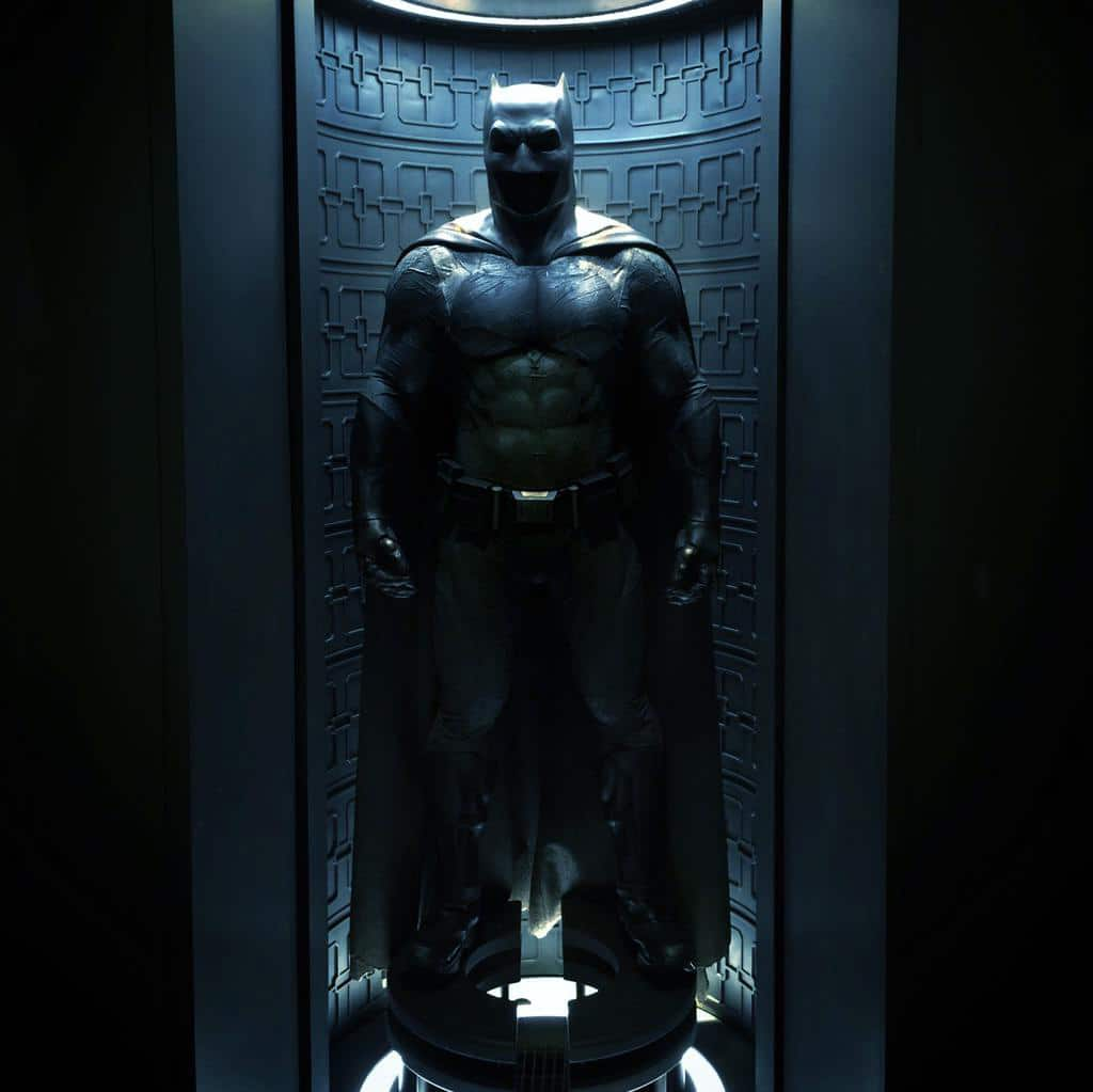 Batman-v-Superman-Dawn-of-Justice-2016-Movie-Picture-10