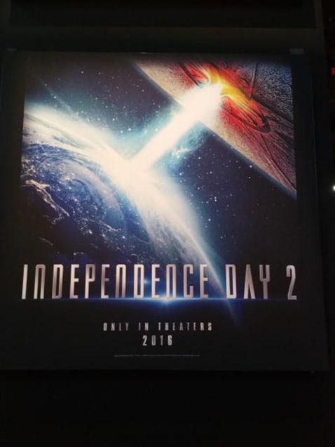 Independence-Day-2-2016-Poster-Teaser-US-01