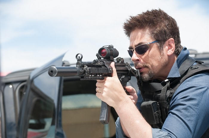Sicario (2015) - Movie Picture 01