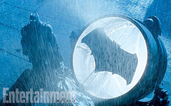 Batman v Superman Dawn of Justice (2016) - Movie Picture 12