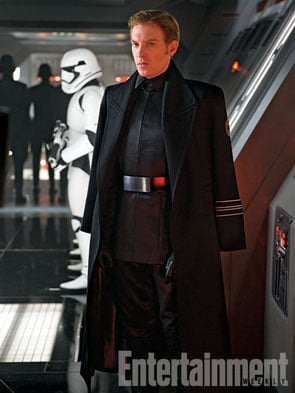 Star-Wars-The-Force-Awakens-2015-Movie-Picture-07