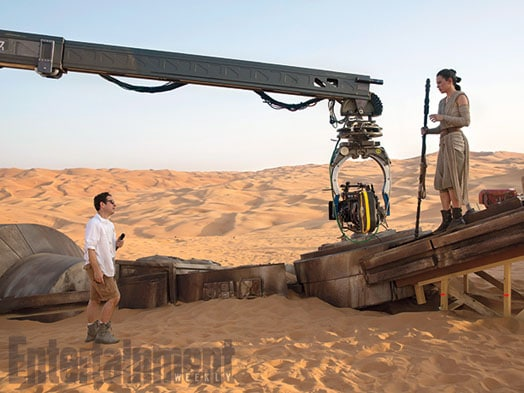Star-Wars-The-Force-Awakens-2015-Movie-Picture-11