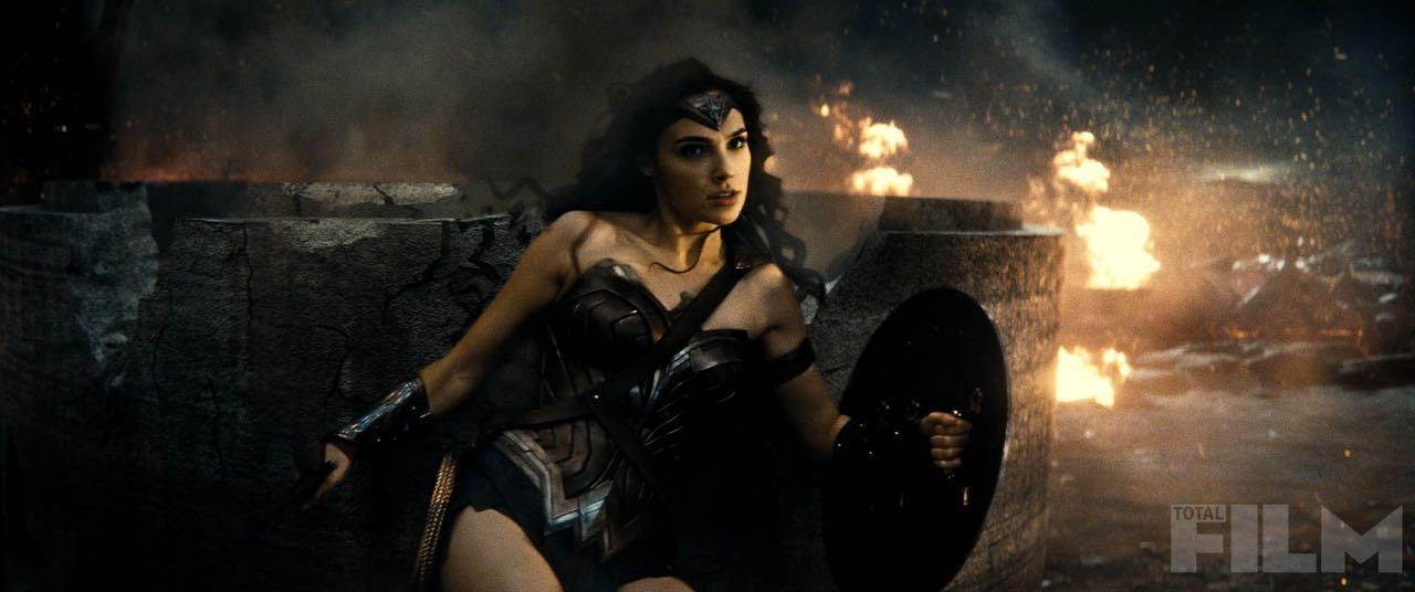 Batman-v-Superman-Dawn-of-Justice-2016-Movie-Picture-32