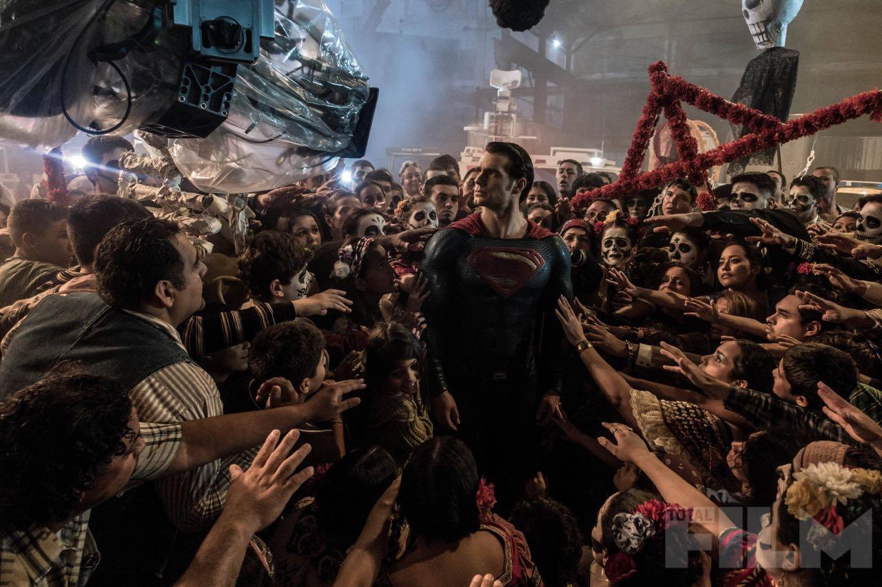Batman-v-Superman-Dawn-of-Justice-2016-Movie-Picture-33