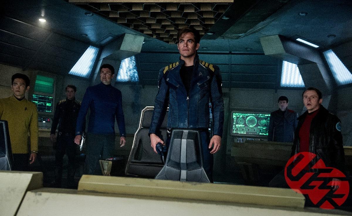Star-Trek-Beyond-2016-Movie-Picture-02