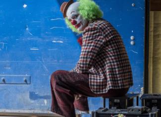 Joker-Joaquin-Phoenix-Banner-02-324x235