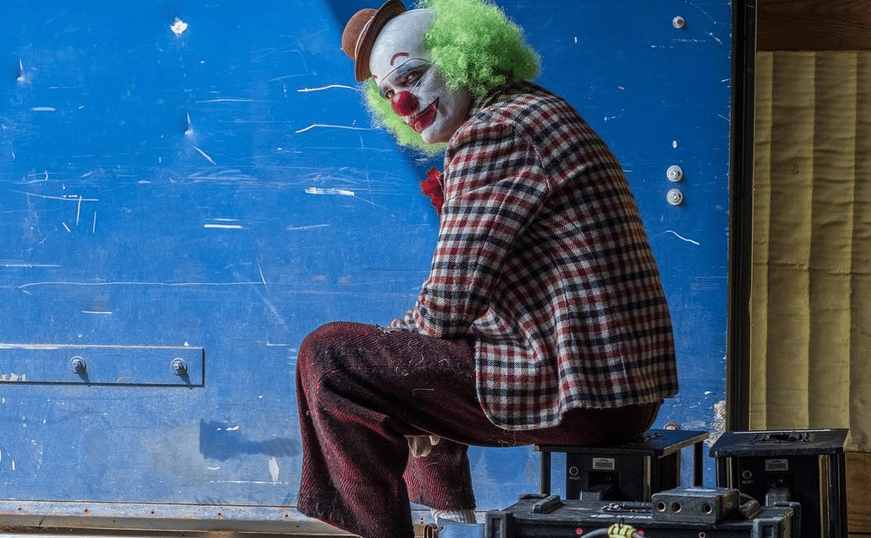 Joker-Joaquin-Phoenix-Banner-02