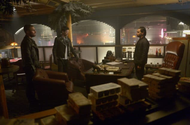 the-cw-elseworlds-dc-universe-picture-03-635x420