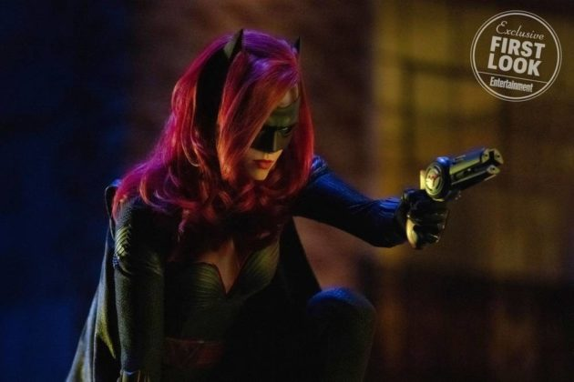 the-cw-elseworlds-dc-universe-picture-21-630x420