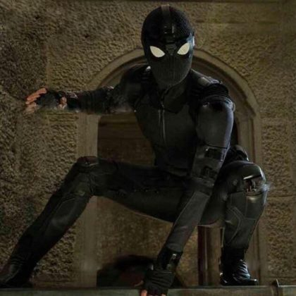 spider-man-far-from-home-movie-picture-01-420x420