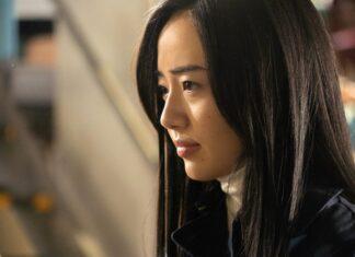 Misato Morita est Kaoru Kuroki dans la série The Naked Director