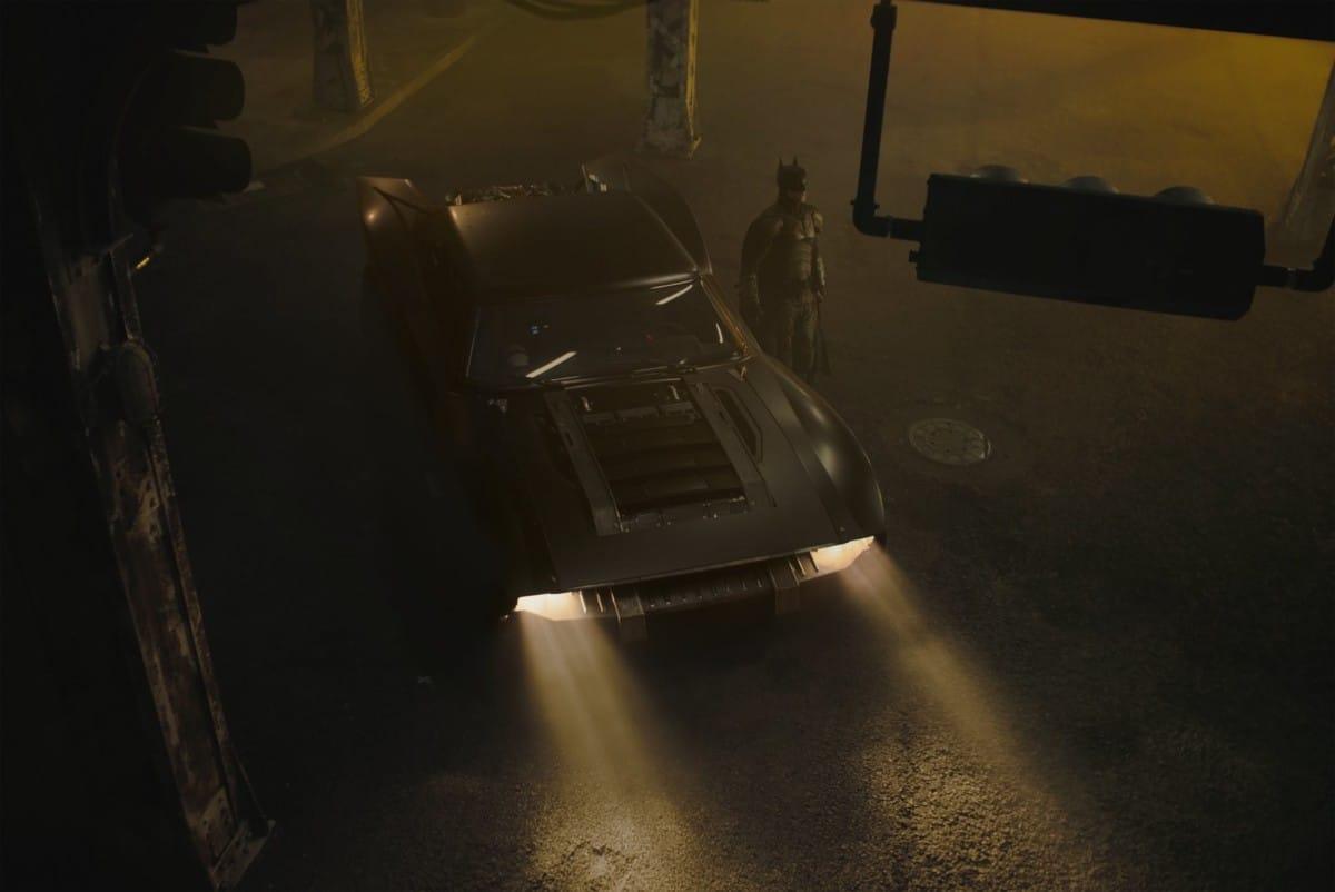 The Batman, la Batmobile apparaît sur de premières photos officielles — CINEMA