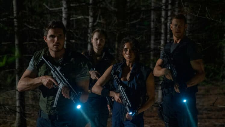 resident-evil-welcome-the-racoon-city-movie-picture-02-747x420